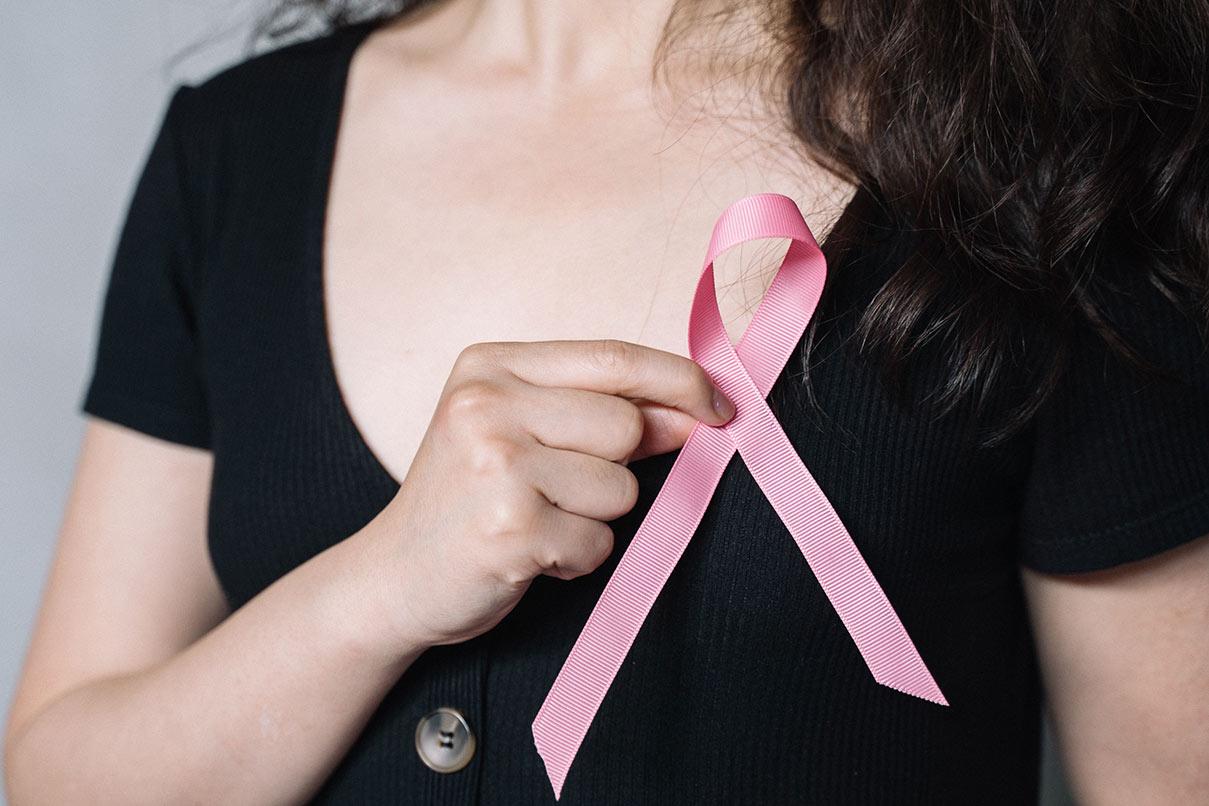 ¿Hay relación entre el cáncer de mama y el sujetador?