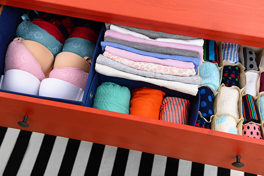 trucos-para-guardar-la-ropa-interior-en-el-cajon